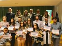 Foto con los premiados en las jornadas y autoridades