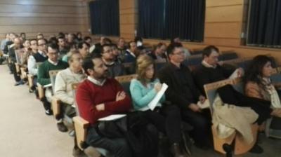 Investigadores participantes en una de las sesiones informativas