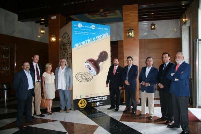 Autoridades y organizadores de la exposición