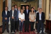 Foto de familia del rector con los decanos y directores de Escuela