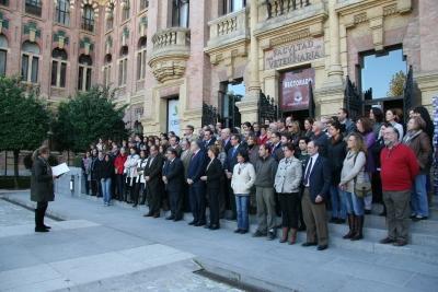 Rosario Mérida lee el manifiesto al término de la concentración