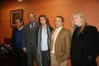De izda. a dcha., Juan María Casado, Manuel Torralbo, Ana García-Siñeriz, Francisco Villamandos y Mar Arteaga minutos antes del  comienzo de la conferencia