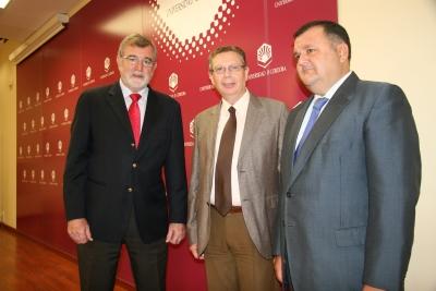 Deizqda. a dcha,, José Manuel Roldán, Francisco Javier de las Nieves y Francisco Zurera
