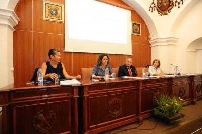 De izquierda a derecha, Anatxu Zabalbescoa, María Martínez Atienza de Dios, Juan Antonio Caballero y Mª Dolores Muñoz Dueñas.