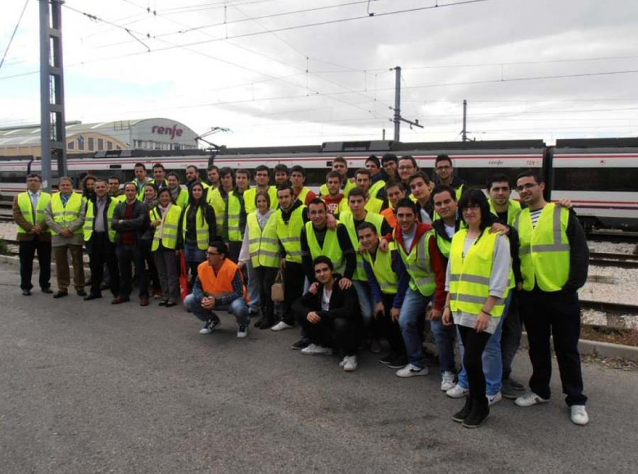 Visita t cnica a las instalaciones de los talleres de ave for Oficinas de renfe en madrid