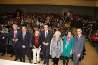 Foto de familia de autoridades y ponentes al inicio de la jornada.