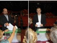 Los dos candidatos en el momento de depositar su voto