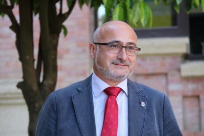 El profesor Isaac Túnez Fiñana