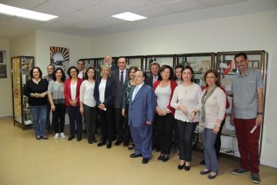 Autoridades y asistentes a la inauguración de la Sala Facsímiles