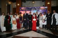 El rector y miembros del Equipo de Gobierno de la UCO con algunos de los participantes en la Noche de los Investigadores