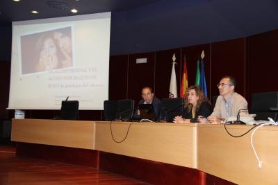 De izquierda a derecha, Miguel Agudo, Rosario Mérida y Octavio  Salazar en la inauguración del curso