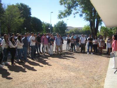 Alumnos de nuevo ingreso de la ETSIAM conocen el kiosko de los Gallipatos