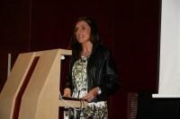 La Defensora Universitaria Carmen Jiménez durante su intervención en el Claustro