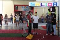 Los alumnos de Ciencias de la Educación participan en una de las pruebas de Retrogames