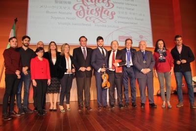 Foto de familia de autoridades y participantes en el acto de presentación del Foro ÚNICO