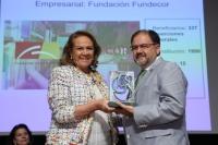Librado Carrasco recibe el premio de la AFA