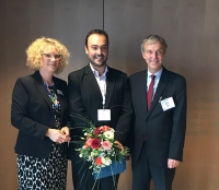 De izquierda a derecha: Dr. Susanne Thum Ottmer (Allergopharma), Dr. José Oteros (HMGU), Prof. Dr. Thomas Werfel (Presidente de DGAKI).