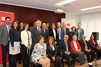 Foto de familia de participantes en la reunión