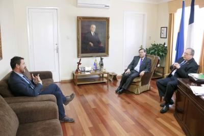 A la izquierda, Francisco Sánchez durante su reunión con el rector de la Universidad de Concepción