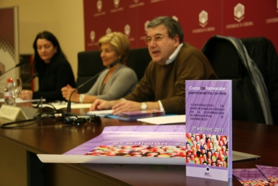 DE dcha a izq.Mila Ramos, Carmen Galán y Javier de Prado