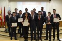 Miembros del Aula de Debate de la Universidad de Córdoba, tras vencer en el torneo.