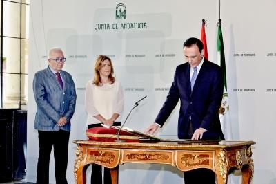 José Carlos Gómez Villamandos en el momento de tomar posesión como nuevo rector de la Universidad de Córdoba