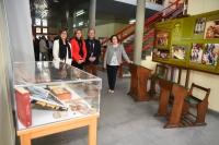 Autoridades asistentes a la inauguración de la exposición