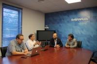 Directivos de la empresa en una reunión con el vicerrector de la UCO, Enrique Quesada, y Juan Ramón Cuadros.