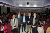 De izqda. a dcha., Alfonso Zamorano, José Carlos Gómez Villamandos, José Luna Jurado, Cristobal Hurtado y Faustino Rider antes de comenzar la charla con los estudiantes