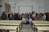 profesores y alumnos tras la entrega de premios