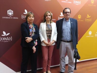 De izquierda a derecha, Mercedes Osuna, Rosario Mérida y Luis Rodríguez