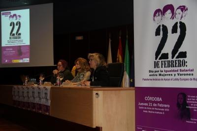 De izquierda a derecha, Silvia Buabent, Rosario Mérida y Rafaela Pastor durante la inauguración de las jornadas