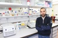 Manuel José Rodríguez Ortega, en su laboratorio de investigación