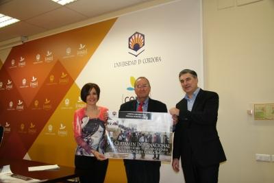 De izda. a dcha., Mª Carmen Liñán, Juan Antonio Caballero y Fernando López Mora