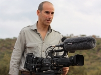 Alberto Jose Redondo con la cámara durante una filmación