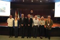 Los integrantes de la nueva Comisión Permanente de la CDED que preside el profesor de la  UCO Arturo F. Chica (tercero por la izquierda)