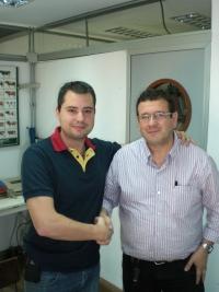 El profesor Mendoza y el profesor Benavides-Peralta del Departamento de Inmunología de la UDELAR