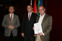 De izquierda a derecha, Carlos Márquez, José Carlos Gómez Villamandos y Victor Manuel Pavón
