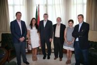 El rector, con los integrantes de la Comisión Gestora de la Asociación