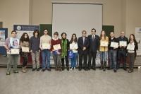 Los premiados junto al decano de la Facultad y Avelino Corma