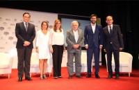 De izquierda a derecha, José Carlos Gómez Villamandos, Isabel Ambrosio, Susana Díaz, José Mújic. Vicente Jiménez y Gabriel Pérez Alcalá
