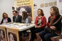 De izquierda a derecha, Mª Ángeles Luna, José Carlos Gómez Villamandos, Esther Ruiz, María Rosal y Rosario Mérida durante la lectura poética