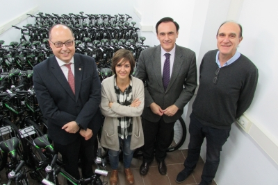 """Se amplía la flota de bicicletas del sistema de préstamo """"A la UCO en Bici""""."""