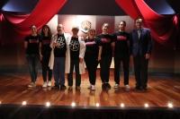 El rector de la UCO con los finalistas del certamen Cuéntame tu tesis en la Gala central de la Noche de los Investigadores