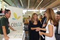 La presidenta de la Junta de Andalucía en el stand del ceiA3