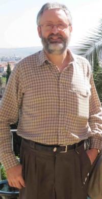 El catedrático de Bioquímica y Biología Molecular Gabriel Dorado