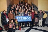 Alumnos de Preshco, profesores y autoridades académicas tras finalizar el acto de recepción