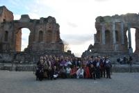 Alumnos de la Cátedra en el Teatro de Taormina