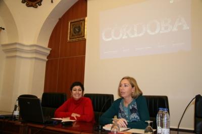 De izq a dcha Carlota Alvarez y Carmen Blanco