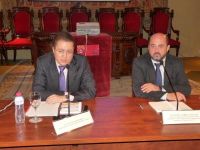 De izquierda a derecha, Vsevolod Grebenchikov y Manuel Torres.